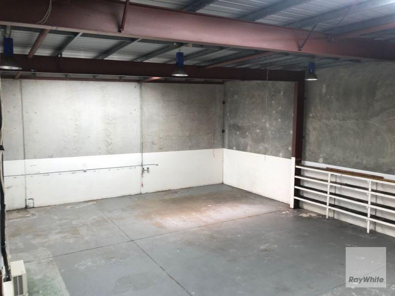 Tilt Panel Warehouse in Corporate Park for Lease