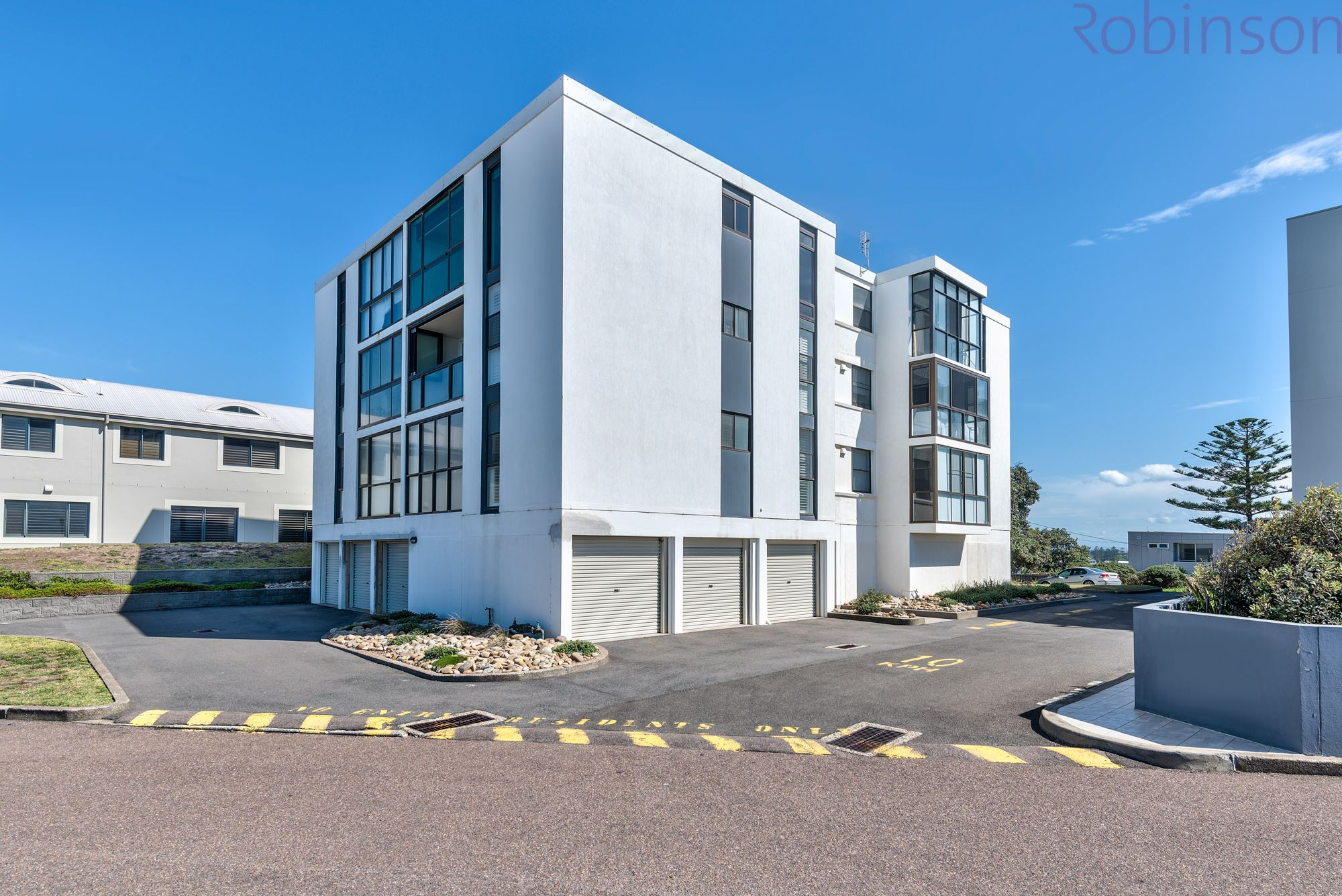 3/2 Ocean Street, Merewether