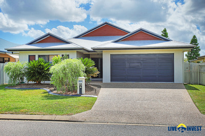 WELL DESIGNED STUNNING FAMILY LIVING- LITERALLY NOTHING TO DO-NO REAR NEIGHBOURS. YES... YOU WILL BE IMPRESSED WITH THIS GORGEOUS HOME!!