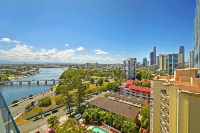 Large 2bed with Ocean, River and Hinterland views - Must be Sold !!