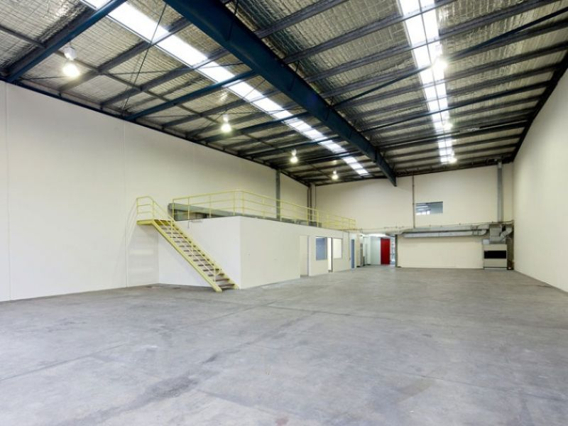 Harcourt Business Park warehouse and office space