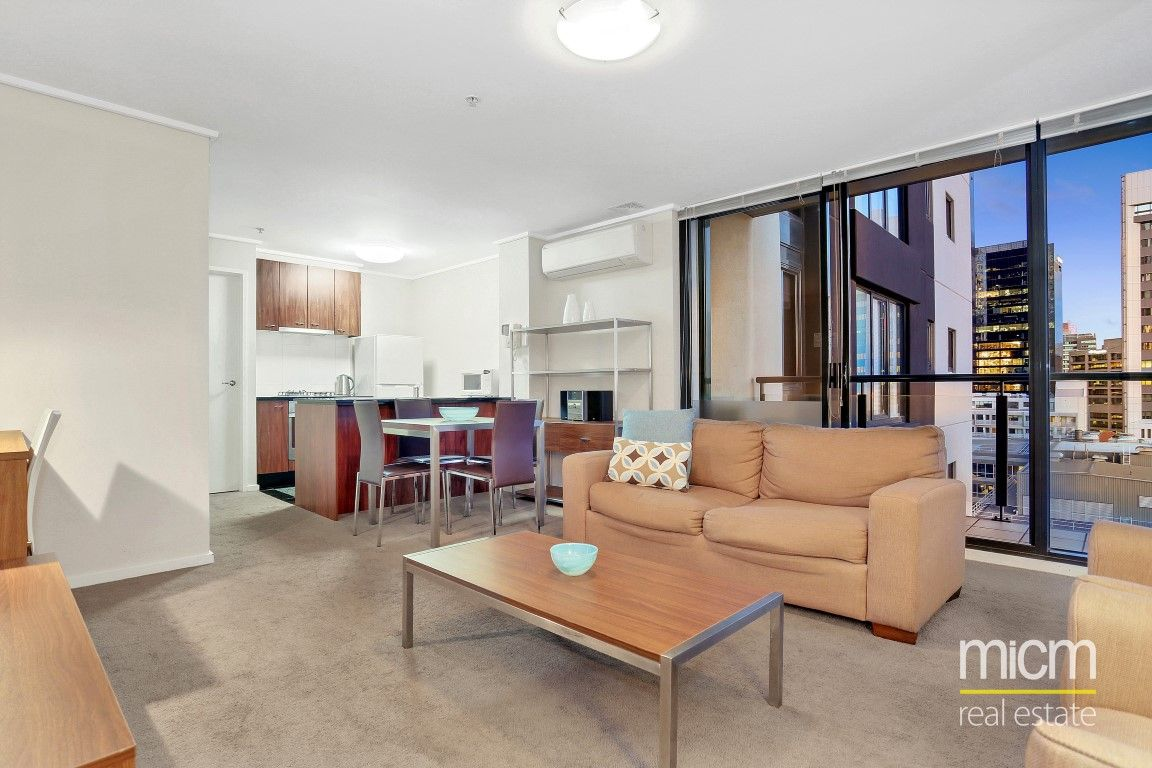 City Point: 16th Floor - Stunning Views Out To Port Phillip Bay!