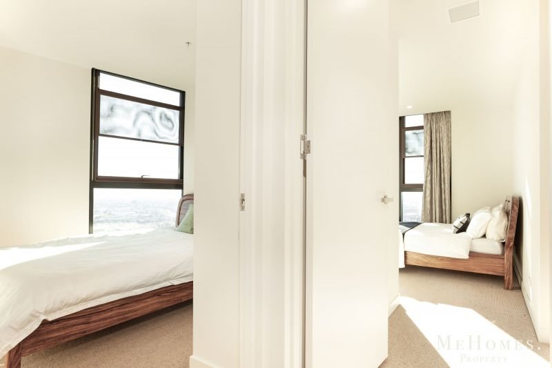 For Sale By Owner: 5706/127 A'Beckett Street, Melbourne, VIC 3000
