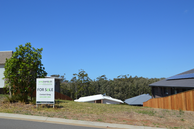 Outstanding Land For A New Home In Exclusive Neighbourhood