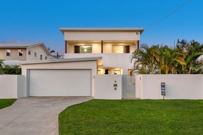 Masterful blend of Sophisticated Style and Contemporary Comfort
