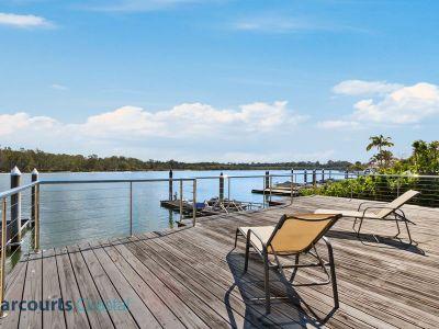 Single Level Riverfront Home on 950m2 Block