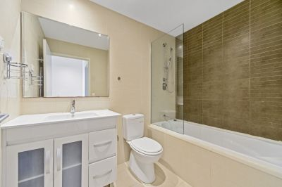 IMMACULATE APARTMENT WITH PERFECT LOCATION