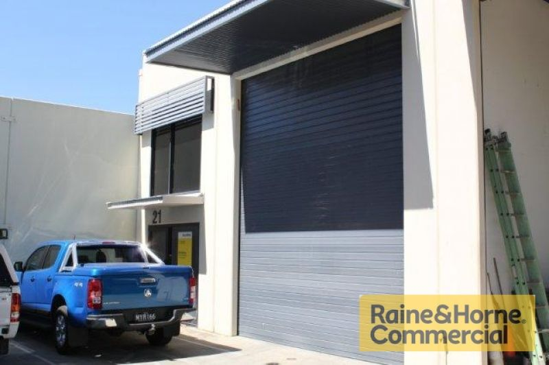 Excellent Small Warehouse in a Gated Complex