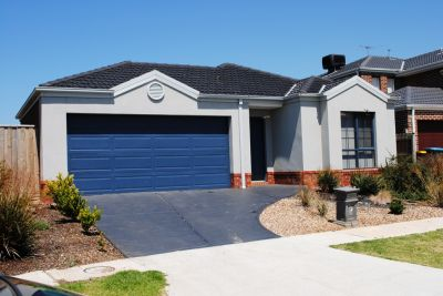 Featherbrook Estate,16 Earth St: You'll Never Want To Leave!