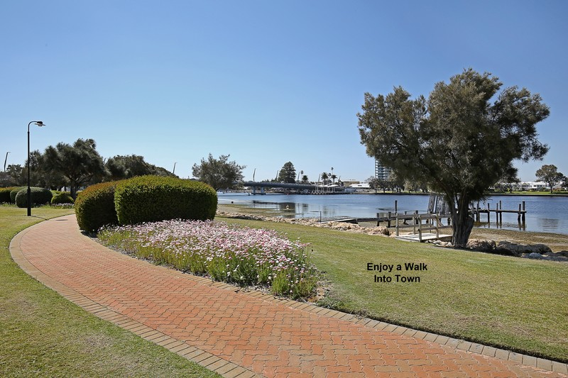 For Sale By Owner: 17/19 San Marco Quays, Halls Head, WA 6210