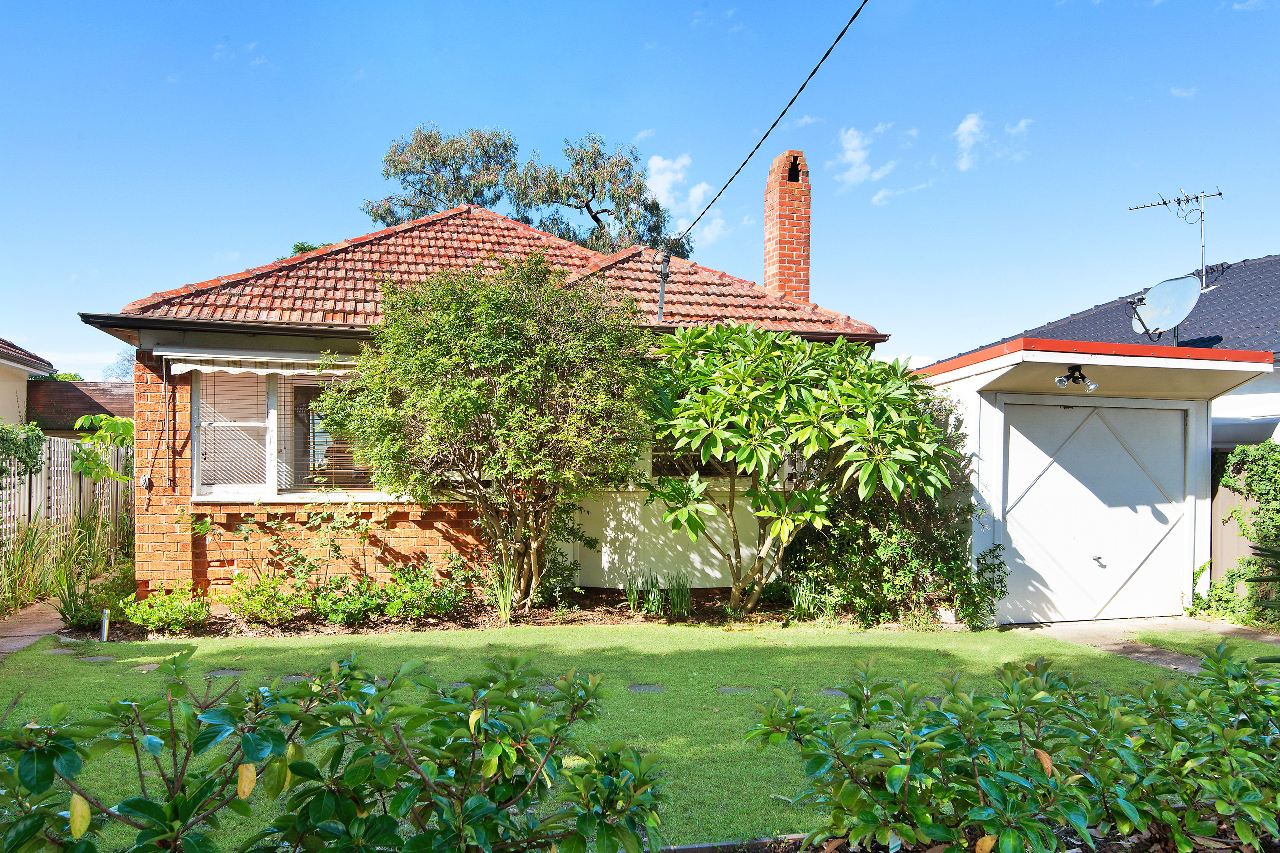 1 Abel Street, Greenacre NSW 2190