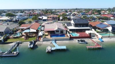 Sellers Circumstances Changed  - Urgent Sale Required - Over 18m* waterfront.