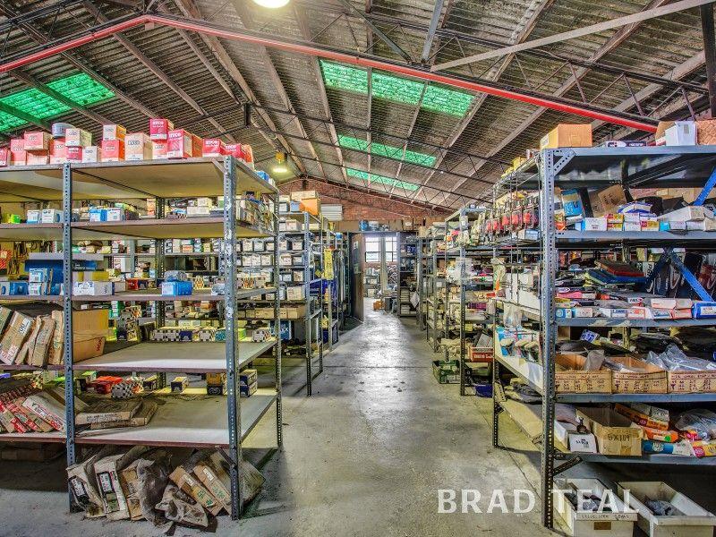 Versatile Corner Warehouse