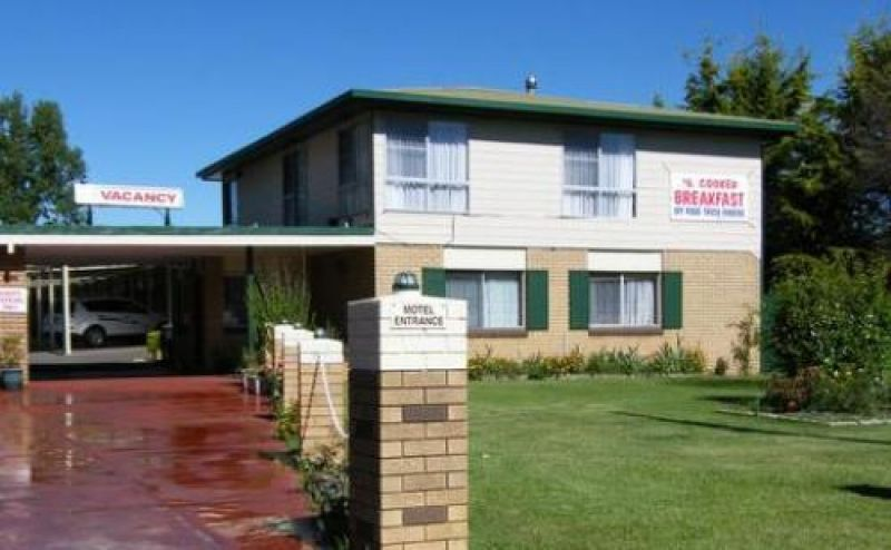 Guyra Park Motel - 23 YEAR LEASE FOR SALE