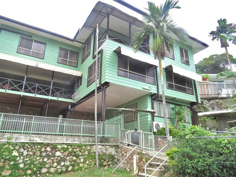 NM1473 - Huge executive house - SGN