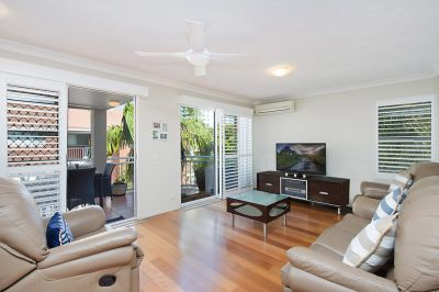 Immaculate partly furnished beachside apartment