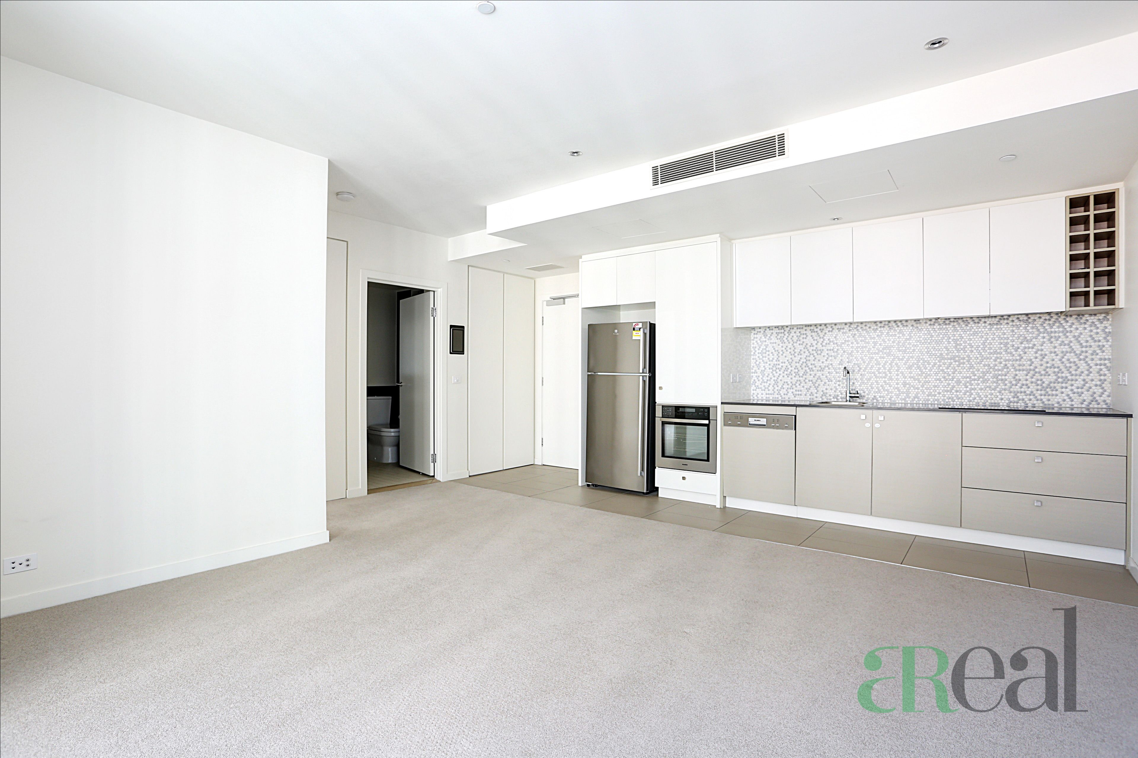 5D/9 Waterside Pl, Docklands VIC 3008