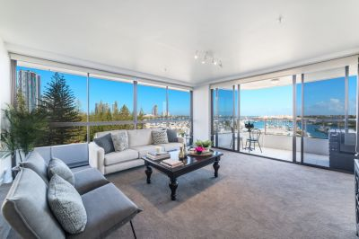 Luxurious Main Beach Residence