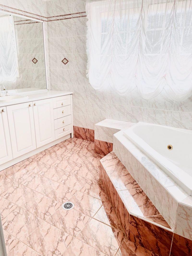 Private Rentals: 5 Prestige Avenue, Bella Vista, NSW 2153