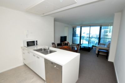Southbank One: 31st Floor - Spacious Furnished Apartment with Stunning Views!