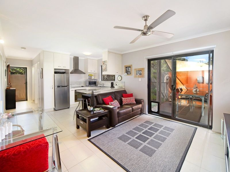 2/7 Pearl Street, Cooroy QLD 4563