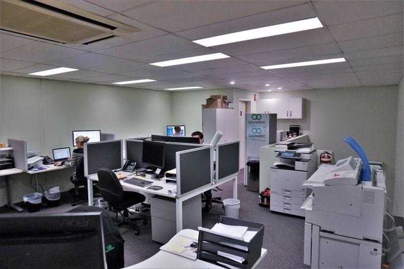 335m2* TINGALPA OFFICE / WAREHOUSE