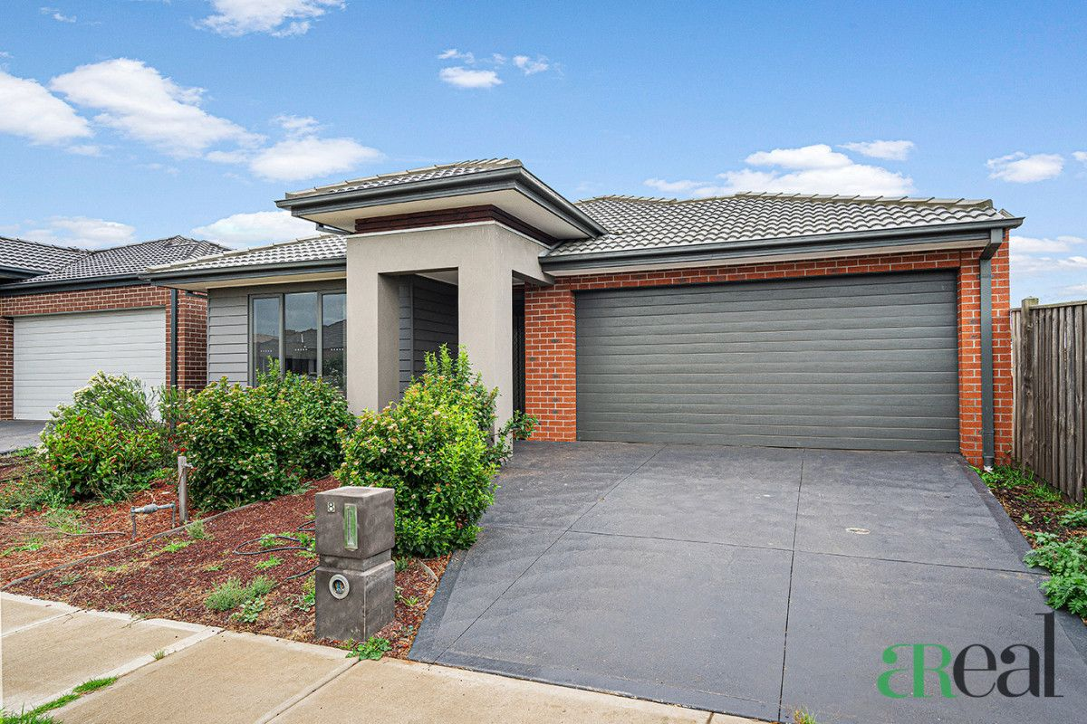 8 Peroomba Drive, Point Cook VIC 3030