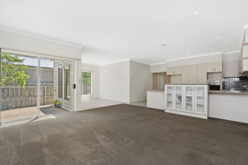 2/11 Addis Street Geelong West