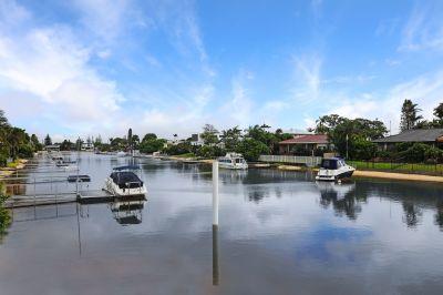 BROADBEACH WATERS, QLD 4218