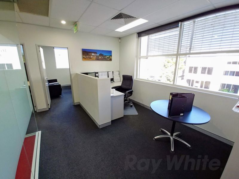 FITTED OUT CORPORATE 720sqm* OFFICE + STORAGE
