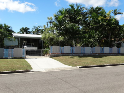 BARGAIN BUY ON 809sqm BLOCK WITH LUSH TROPICAL GARDENS