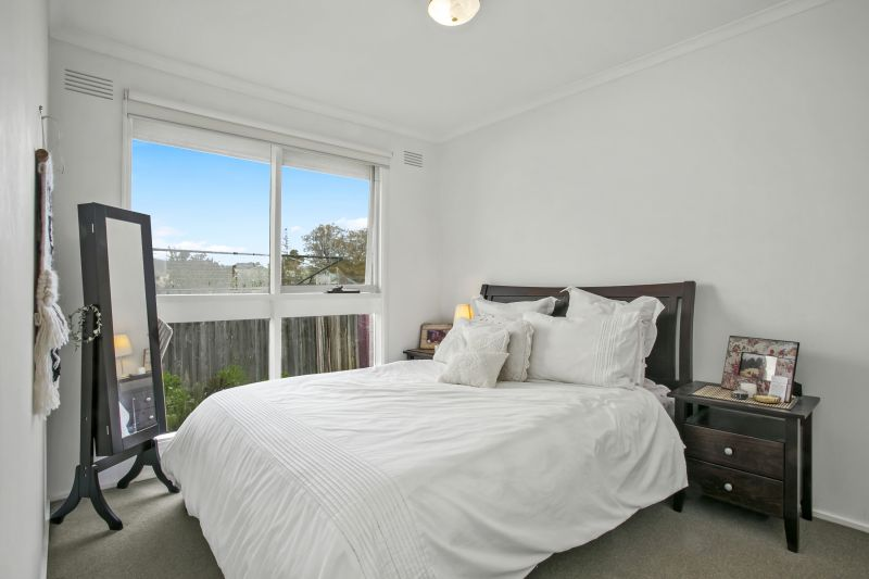 2/155 Minerva Road Newtown
