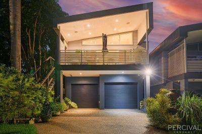 Luxury Home - Walk to Three Beaches