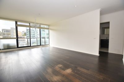 Melbourne Condos: Exquisite and Centrally Located Two Bedroom Apartment!