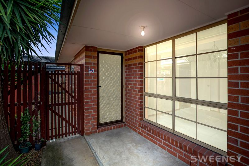 Ultimate Low Maintenance Living In Altona Bay Location!