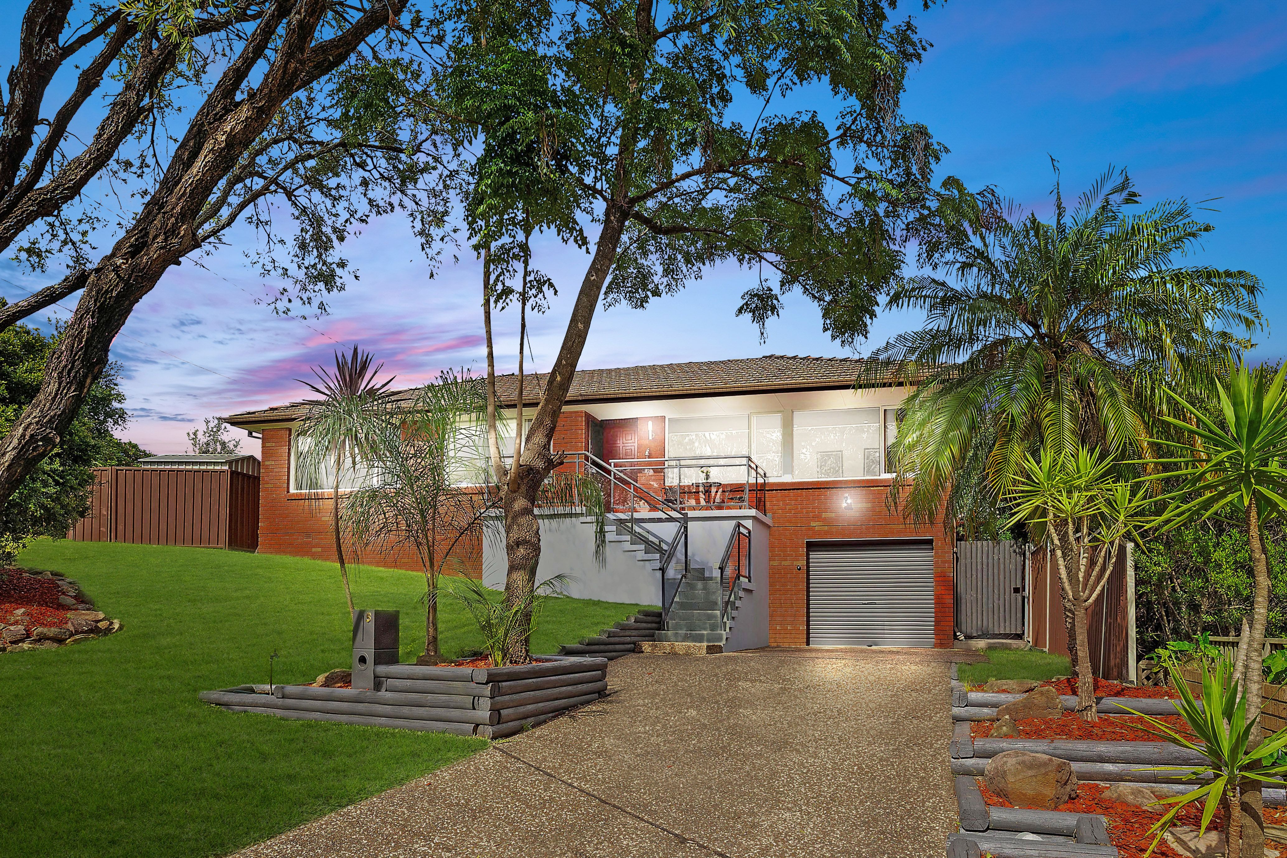 5 Bligh Close, Georges Hall NSW 2198