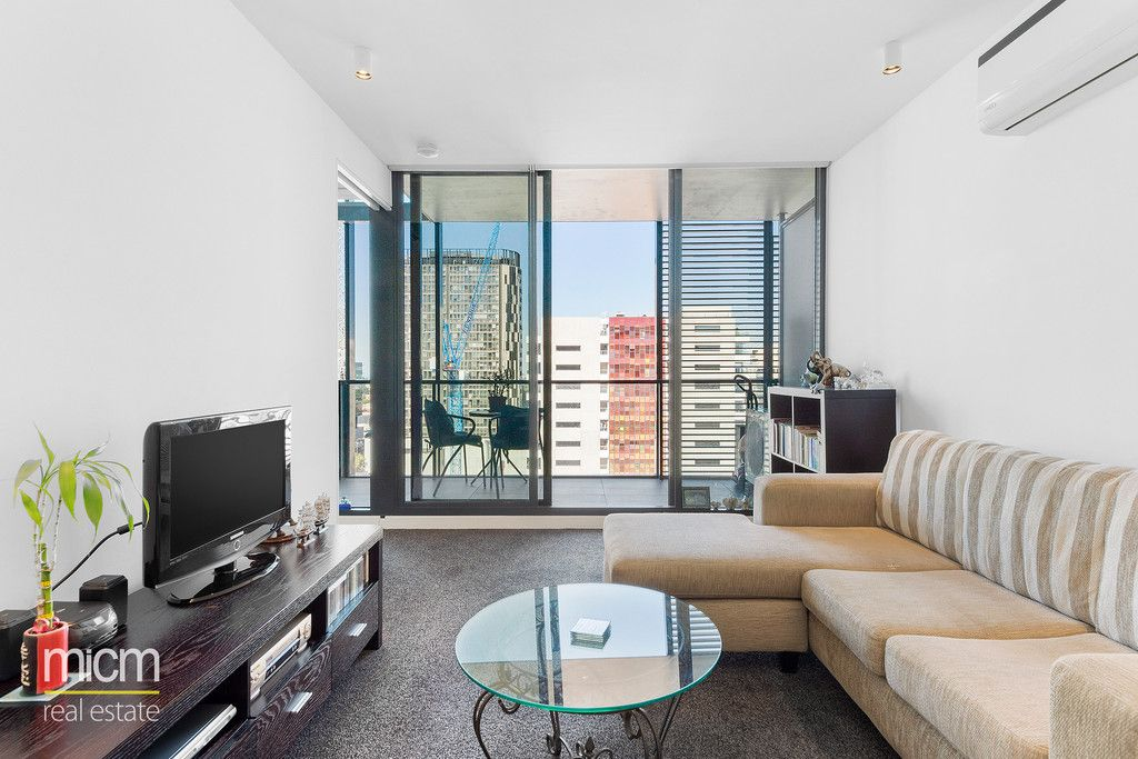 Style, Space and Sophistication in Serene Southbank Setting