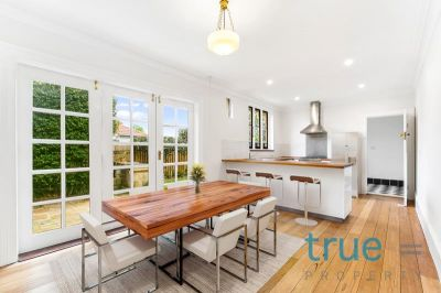 = HOLDING DEPOSIT RECEIVED = SPACIOUS AND PERFECTLY POSITIONED WITHIN CLOSE PROXIMITY TO EVERYTHING