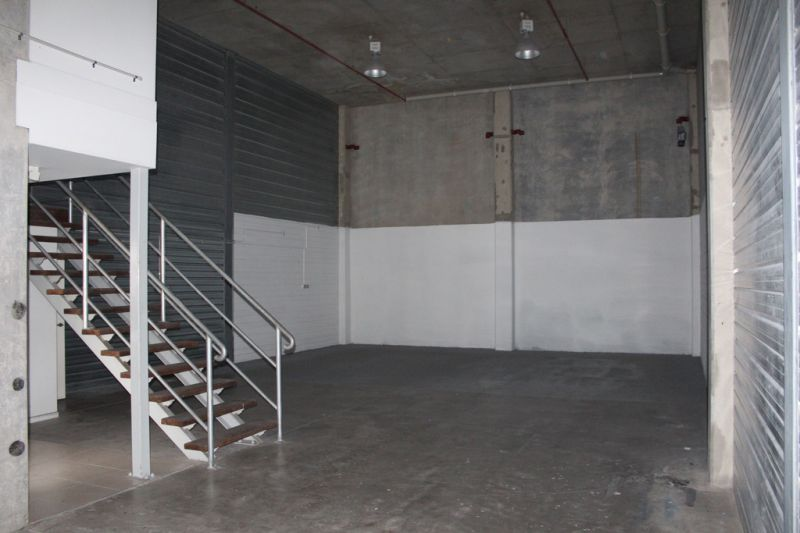 High Clearance Warehouse in Central Maroochydore | For Lease