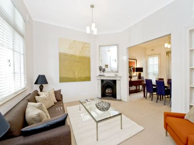 Spacious, private & fabulously located terrace