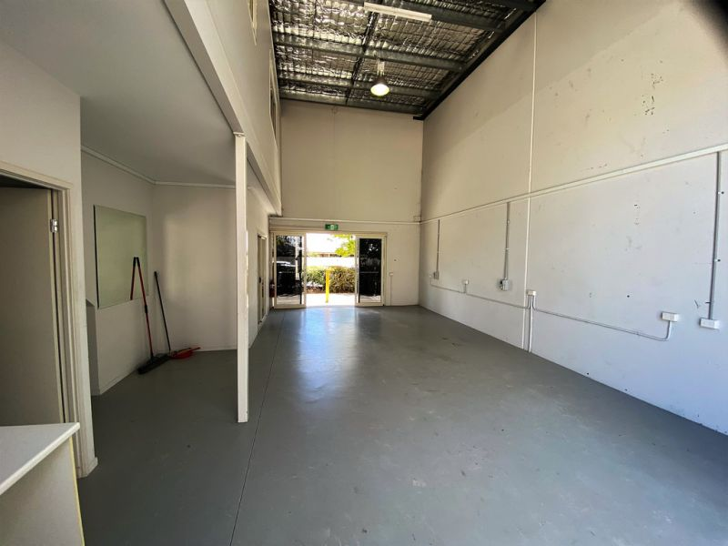 78 SQM* WAREHOUSE/OFFICE WITH GOOD ACCESS