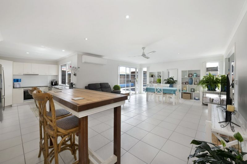 For Sale By Owner: Toogoom, QLD 4655