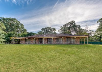 Spacious 3 Bedroom Home on 5.8 Acres (2.37 ha)