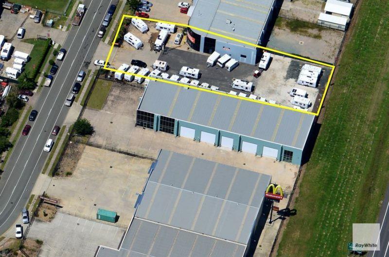 Tilt Panel Warehouse Fronting Bruce Highway