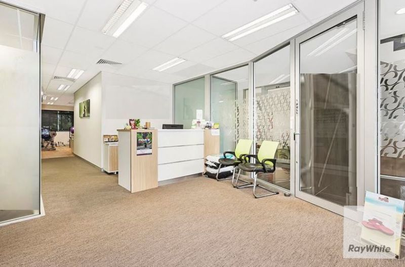 137m2 Professional Office Suite Located in Heart of North Lakes