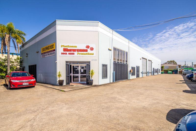 1,120m2* Tilt Panel Warehouse & Office Building