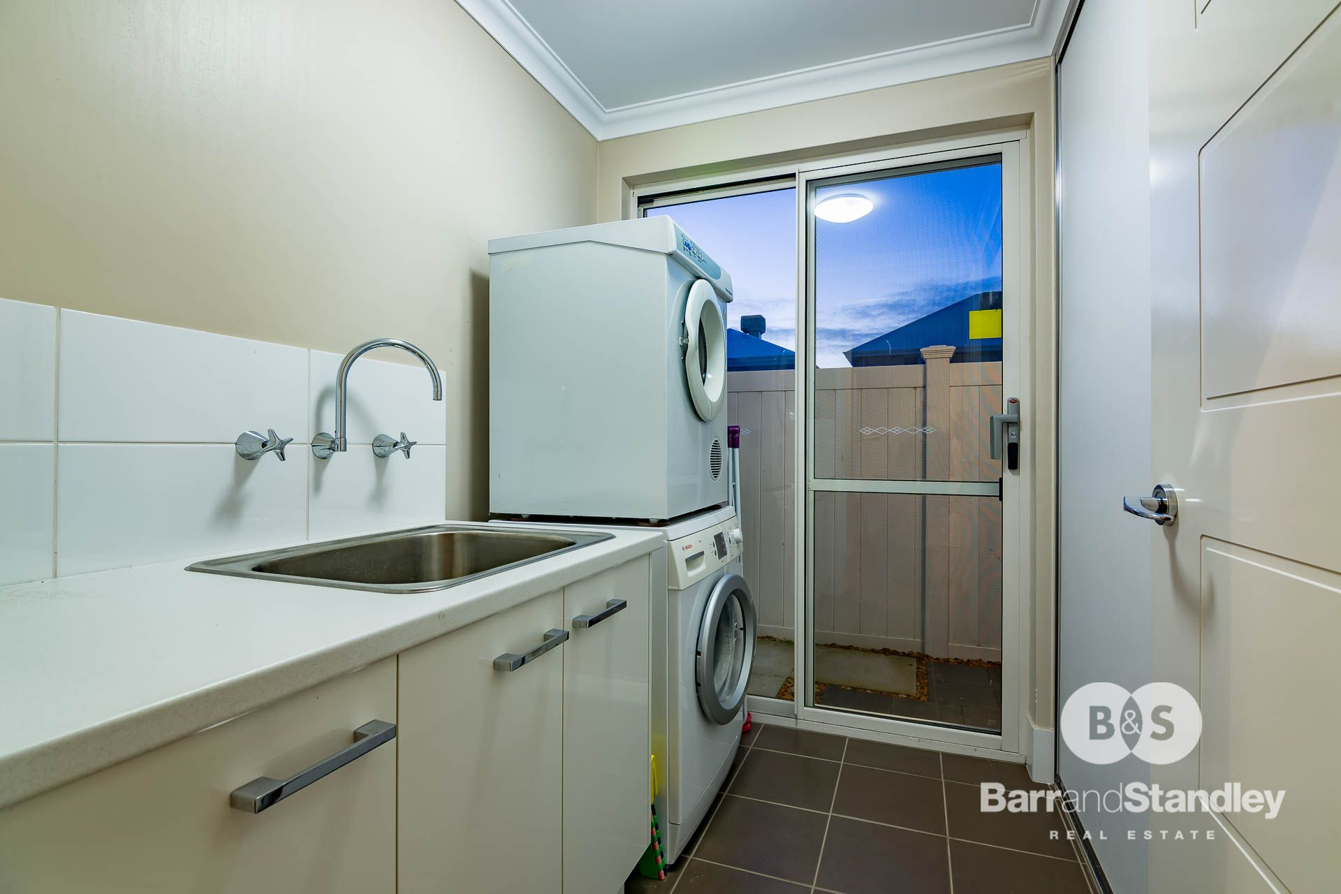 13A Epacris Elbow, Pelican Point