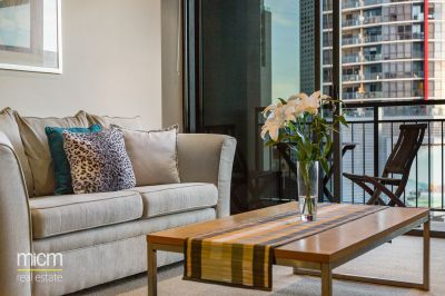 Spacious Southbank Class in Clarendon Towers with 2 Balconies!