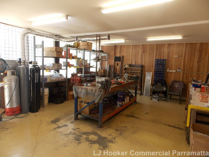 Industrial Unit- 164sqm IN1 Zoning