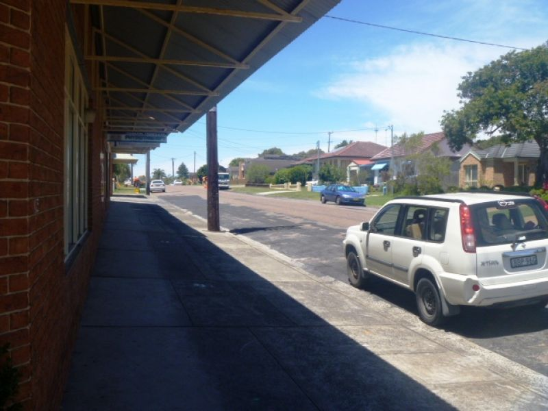 Fantastic position! 125m2 retail/office space highly exposed! Main road location!